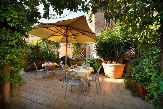 Hotel Portoghesi: Roof Garden