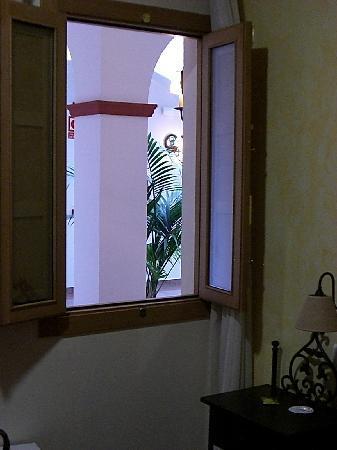 Hotel Plaza Escribano: vistas de la habitación