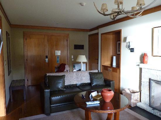 Llao Llao Hotel and Resort Golf Spa: Il soggiorno della suite