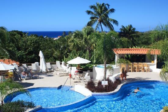 Sugar Cane Club Hotel & Spa: The pool area