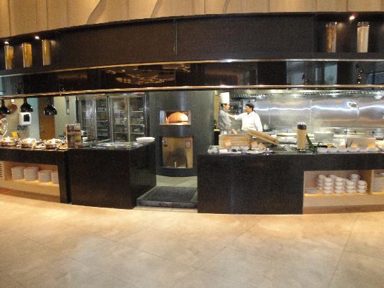 Hotel Novotel Taipei Taoyuan International Airport: Taipei Taoyuan Airport Novotel - Restaurant Kitchen (Jan '10)