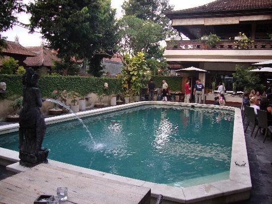 Santai Hotel: Pool area