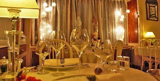Auberge Napoleon restaurant : Salle a manger