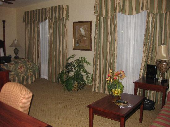 Homewood Suites Amarillo: Nicely appointed.