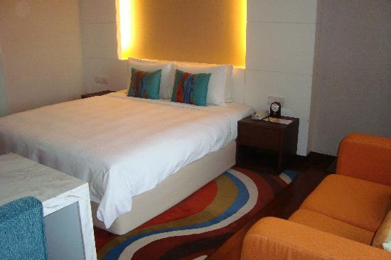 Lit king size picture of seri pacific hotel kuala lumpur tripadvisor - Lit king size 200x200 ...
