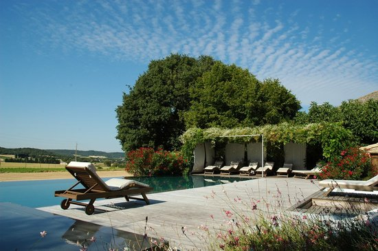 Clos du Lethe: The swimming pool