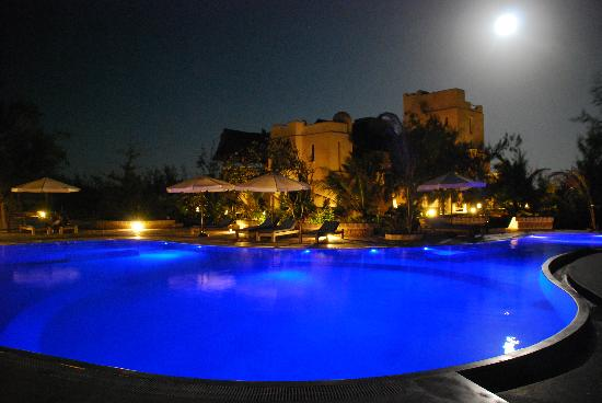 The Charming Lonno Lodge : Moonlight picture