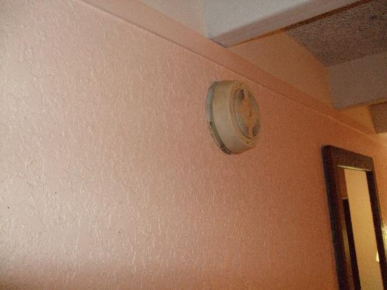 Days Inn Tallahassee University Center: Fire detector 1