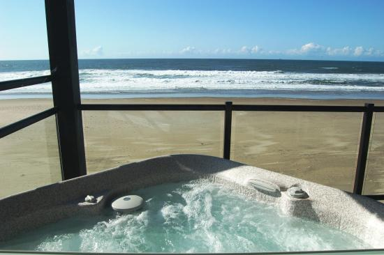 Beachfront Manor Hotel Oceanfront Hot Tub Rooms