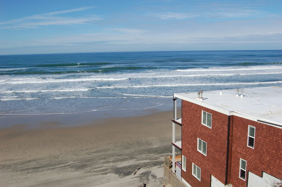 Beachfront Manor Hotel : Oceanfront with direct beach access!