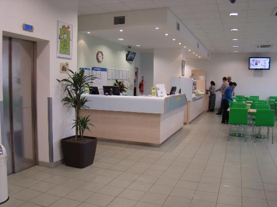 Ibis Budget London Hounslow: Reception