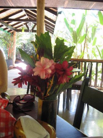 Hotel Villas Gaia: breakfast at the onsite restaurant
