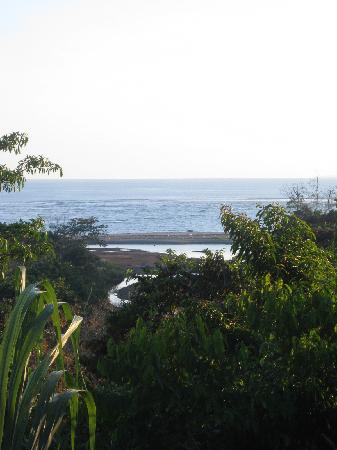Hotel Villas Gaia: view of the ocean from the pool
