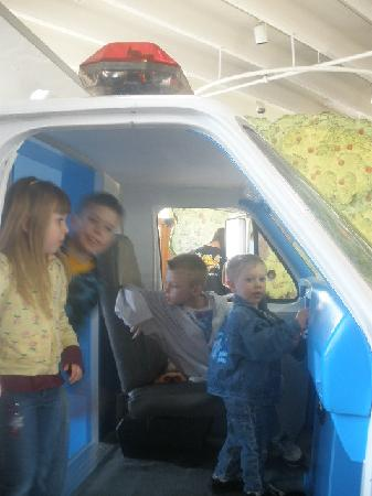 Children's Museum of Richmond: In the ambulance