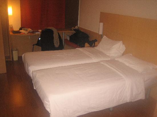 ไอบิส ฮาร์บิน ชางซิ โฮเต็ล: Double Room at Hotel Ibis