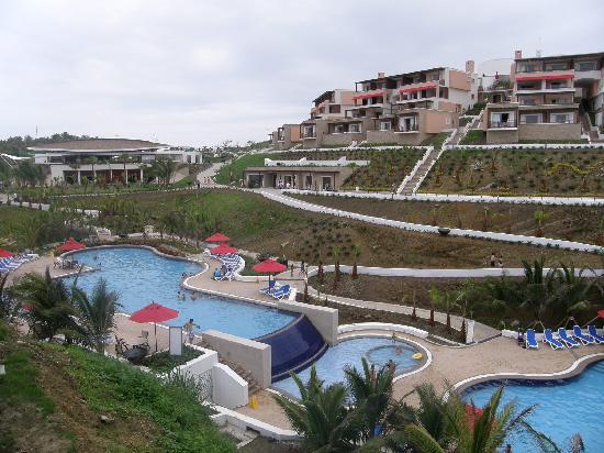 Royal Decameron Mompiche: Lobby, y piscina central