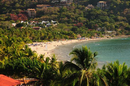 Catalina Beach Resort: View of beach from room deck
