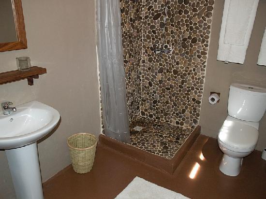 Comme Chez Soi: Salle de Bain / Bathroom