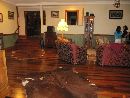 Amamoor Lodge: common area