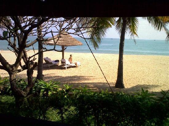 Evason Ana Mandara Nha Trang: Blick von der Villa zum Strand