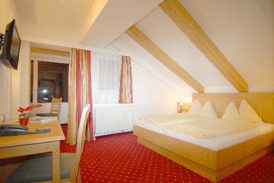 Hotel Fischer: Eines unserer neuen Zimmer - new room