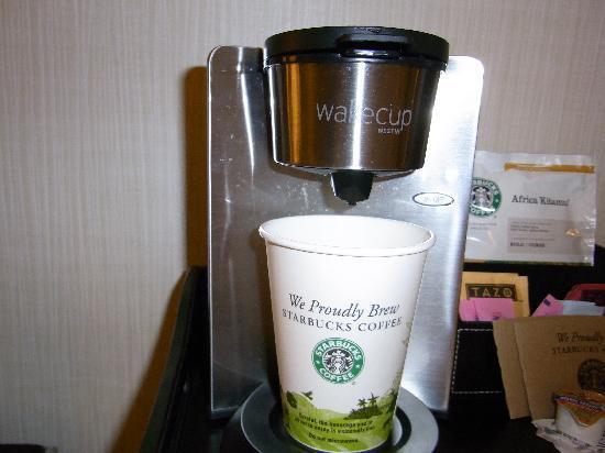 The Westin Edina Galleria : 部屋で飲めるスタバコーヒー