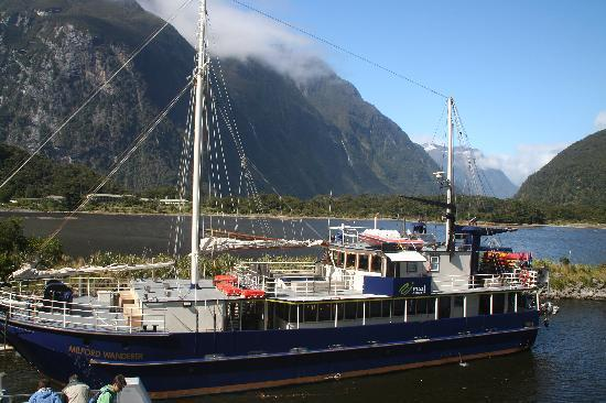 Milford Sound Scenic Cruises - Real Journeys: Setting sail
