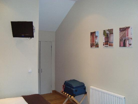 The Red Lion Inn: Room