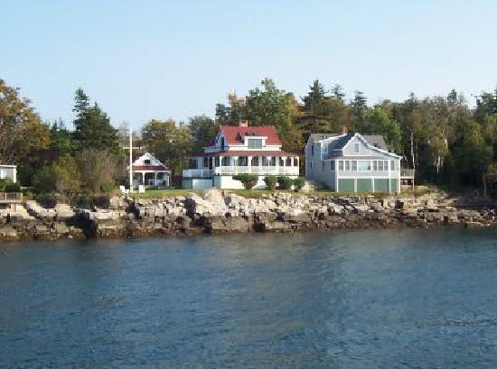 Hilton Garden Inn Portland Downtown Waterfront: Island Living Off The Coast  Of Portland, Maine