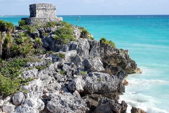 Posada Luna del Sur: Tulum ruins