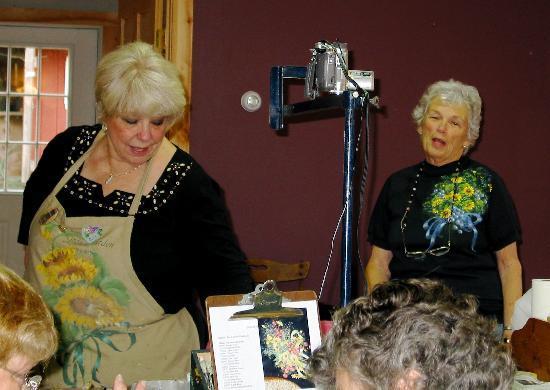 Landgrove Inn: Ros Stallcup, MDA, Paula Lawton, owner of Windholme in the Barn