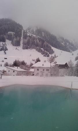 Singer Sporthotel & SPA : la piscine exterieure du spa