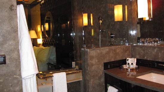 Fairmont Nile City : bathroom