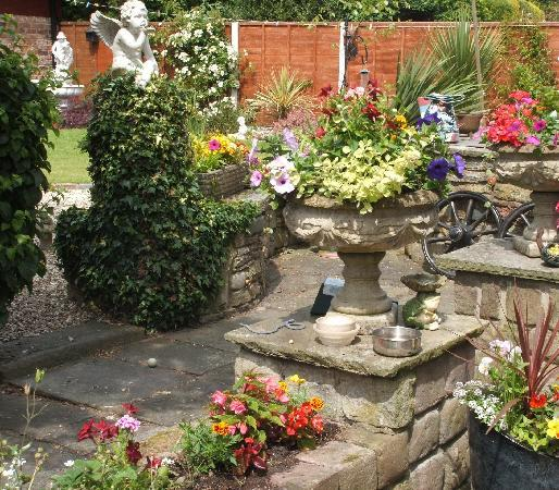 Burscough, UK: garden