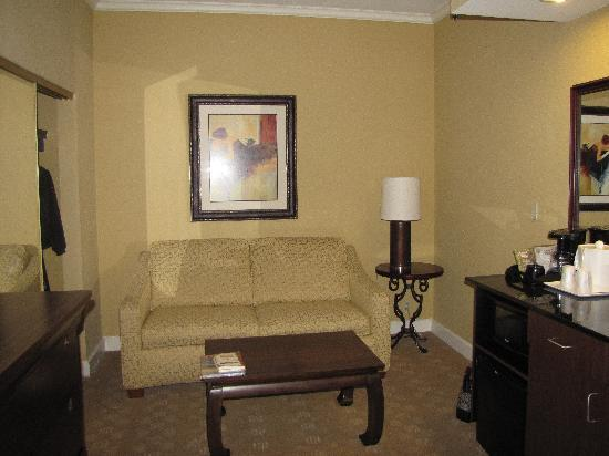 Holiday Inn Express Savannah-Historic District: sitting area