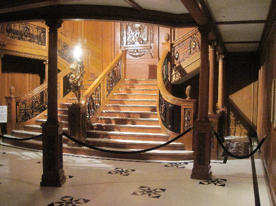 Titanic The Experience: the famous staircase