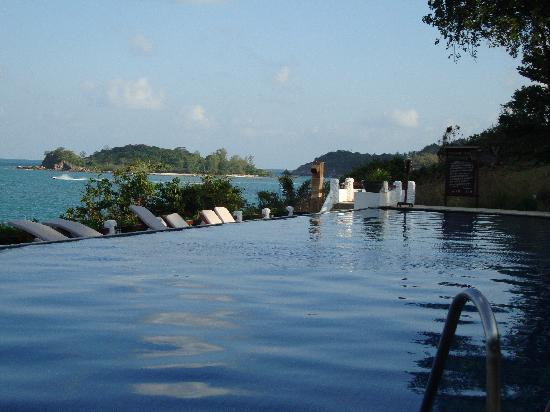 The Tongsai Bay: The infinity pool