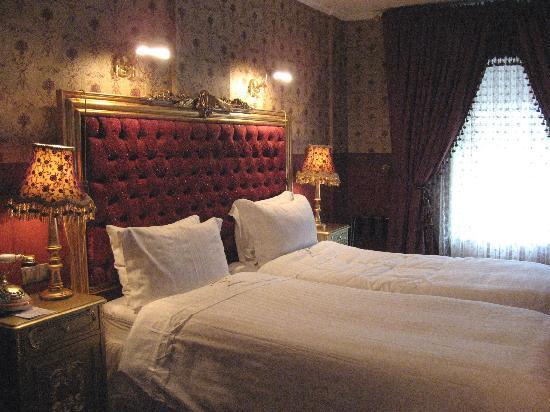 Amisos Hotel: the Jasmine Room