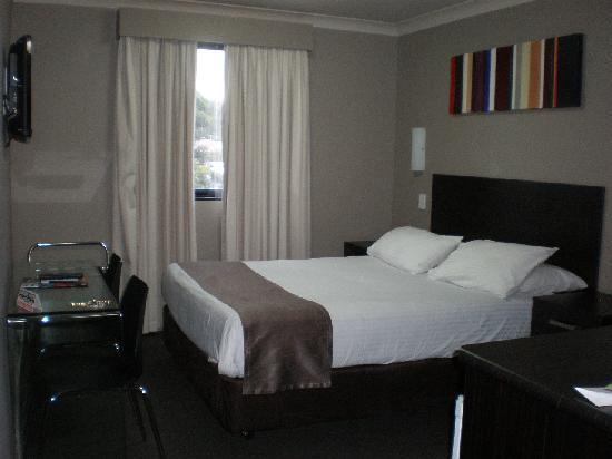 Best Western Blackbutt Inn: Queen Bedroom