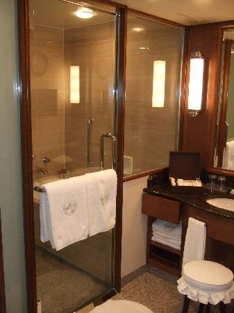 salle de bain douche baignoire picture of imperial hotel tokyo chiyoda tripadvisor. Black Bedroom Furniture Sets. Home Design Ideas