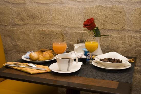 Hotel Abbatial Saint Germain: Breakfast