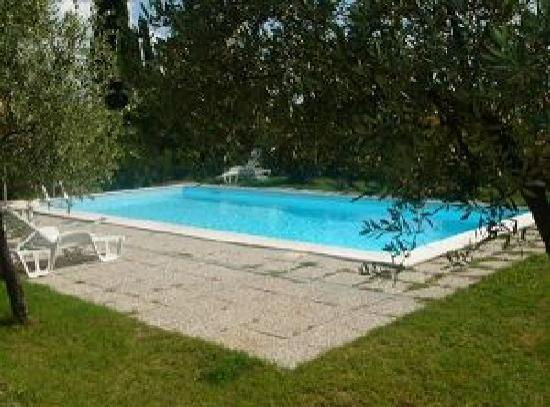 Il Vicario: Swimming Pool