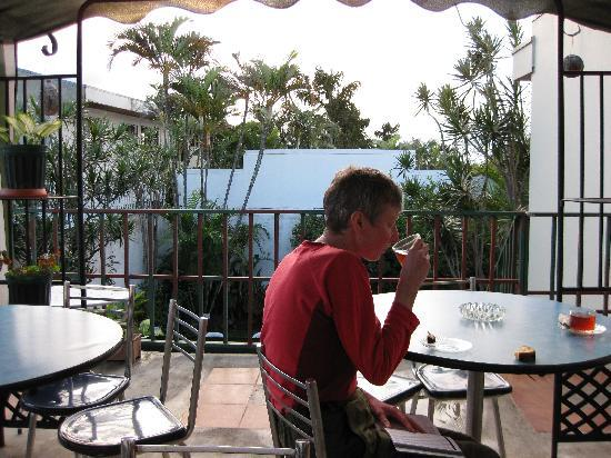 Hotel Sabana B&B : the breakfast terrace