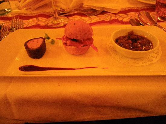 Hotel Rita: la trilogie de volaille avec petit pain du diner gala