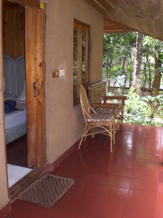 Thekkady - Woods n Spice, A Sterling Holidays Resort: porch