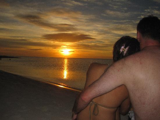 Mambajao, Philippines: White island sunset