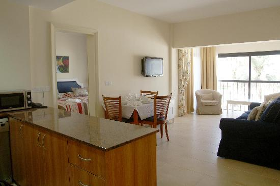 Pafiana Heights Hotel - Apts: Spacious luxury