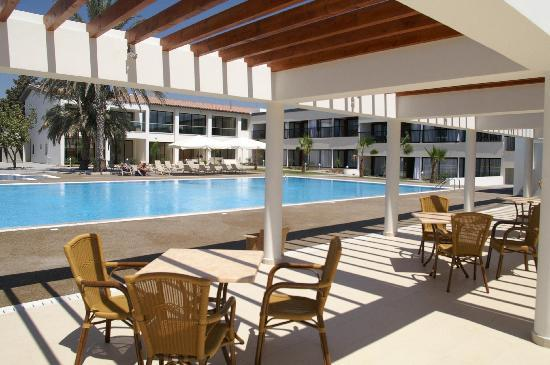 Pafiana Heights Hotel - Apts: Just one of the pools