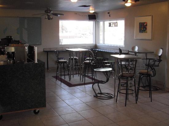 Ogden River Inn : Our new coffee shop on the Ogden River Walk