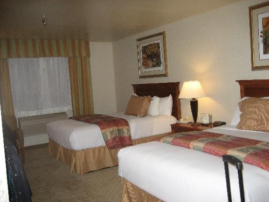 BEST WESTERN PLUS High Sierra Hotel : Std room with 2 queen beds